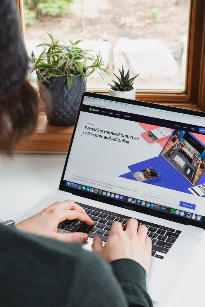 网络崛起催生这些新职业——电子商务工程师(E-commerce engineer)