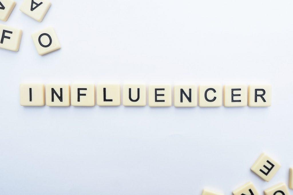 网络崛起催生这些新职业——网红 Influencer