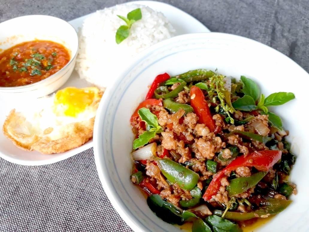 Hometaste: Nana's Thai Kitchen